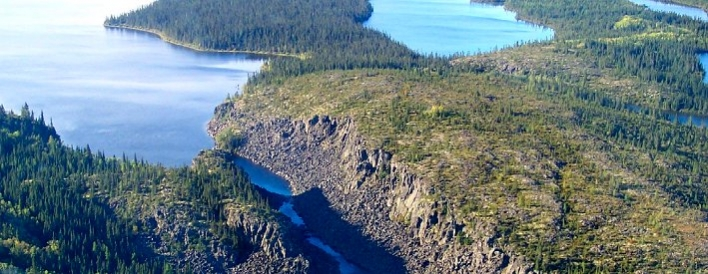 The picturesque gorge of the Sutton Narrows, separating Hawley Lake and Sutton Lake, in the Far North near Polar Bear Provincial Park.