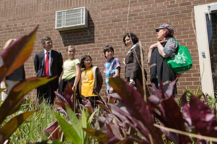 Minister Bentley chats with the EcoTeam on Jackman Avenue Public School's green roof.