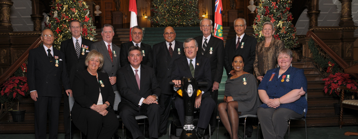 Top row: Christopher Harris (Ottawa), Wilmer Matthews (Barry's Bay), Ian Proudfoot (Newmarket), Jack Prazeres (Mississauga), Khalid Usman (Markham), Dr. Al Scarth (Midhurst), Dr. Eric Jackman (Toronto) Bottom Row: Betty Lou Souter (St. Catharines), Minister of Citizenship and Immigration, the Honourable Charles Sousa, Lieutenant Governor, the Honourable David Onley, Donna Cardoza (Markham), Senator Dr. Alis Kennedy (Woodbridge)