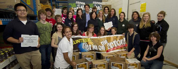 Ontario Launches Youth Volunteer Challenge