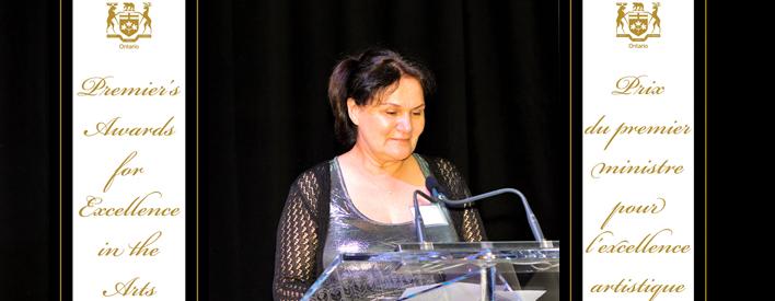 Shirley Cheechoo, lauréate du Prix du premier ministre pour l'excellence artistique décerné à une artiste.