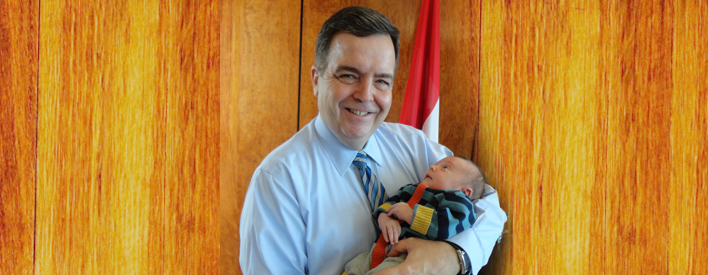Baby Zenon joins Dwight Duncan, Minister of Government Services to announce Ontario's top baby names.