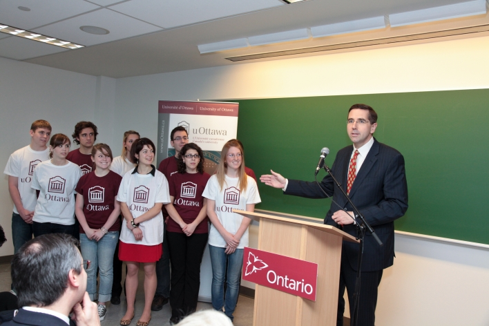 Minister John Milloy announces funding for Ottawa-area universities and colleges.