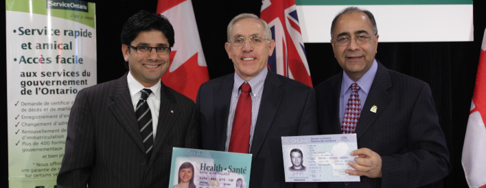 Government Services Minister Harinder Takhar is joined by Yasir Naqvi, MPP for Ottawa Centre, and Bob Chiarelli, MPP for Ottawa West-Nepean to announce improved and integrated access to government services at six ServiceOntario centres in the City of Ottawa.