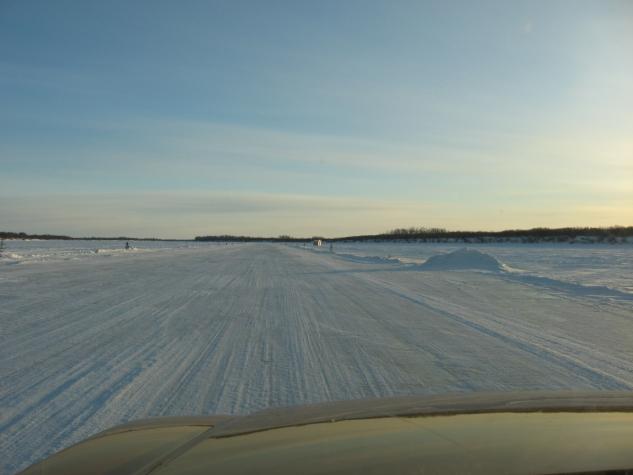 Les collectivités qui résident dans l'extrême nord de l'Ontario sont reliées par un vaste réseau de routes couvertes de glace de première année.