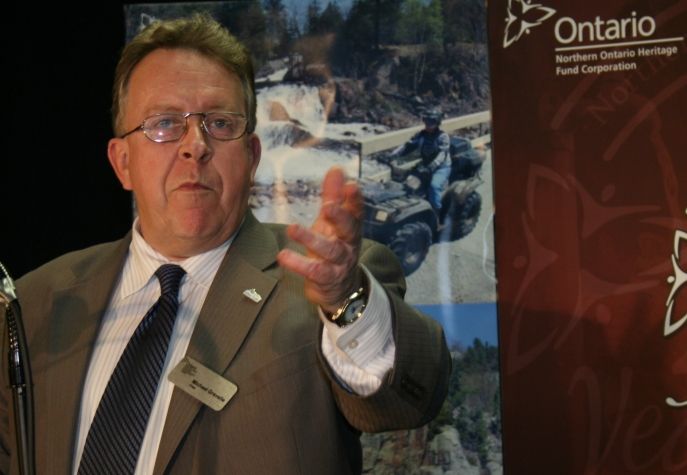 Visitors and residents will enjoy enhanced tourist attractions in Elliot Lake highlighted by increased access to natural areas and an improved Miner's Monument site at Horne Lake. The Northern Ontario Heritage Fund Corporation (NOHFC) is investing $380,000 in the project. Northern Development and Mines Minister and Chair of the NOHFC Michael Gravelle said that the McGuinty government recognizes the importance of the tourism industry in the North and through investments such as this one, is helping tap new opportunities that strengthen local business and create jobs.