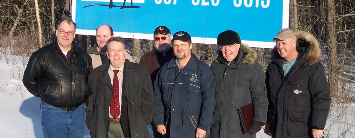The Township of Terrace Bay will attract new businesses to the area by bringing municipal sewer services to commercial lots along Highway 17, at the east end of the community.  The $616,850 announcement was made today by Northern Development and Mines Minister Michael Gravelle. Accompanying Minister Gravelle (third from left) are Town of Terrace Bay officials (left to right) Mayor Mike King, Councillor Rick St.Louis, Councillor Jamie Robinson, Councillor Gino Leblanc, CAO-Clerk Dick Beare and Councillor Jody Davis.