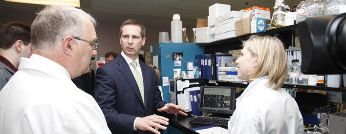 Premier McGuinty visits researchers at the Ottawa Hospital Research Institute.