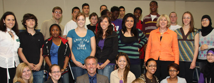 Minister with 2009 Summer Jobs for Youth orientation class in London